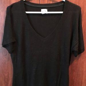 🔥4/$20🔥 • Converse • short sleeve sweater